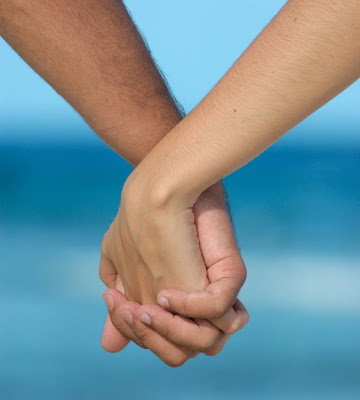 holding_hands1